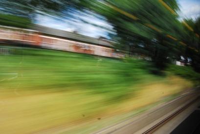 train-1044993_960_720